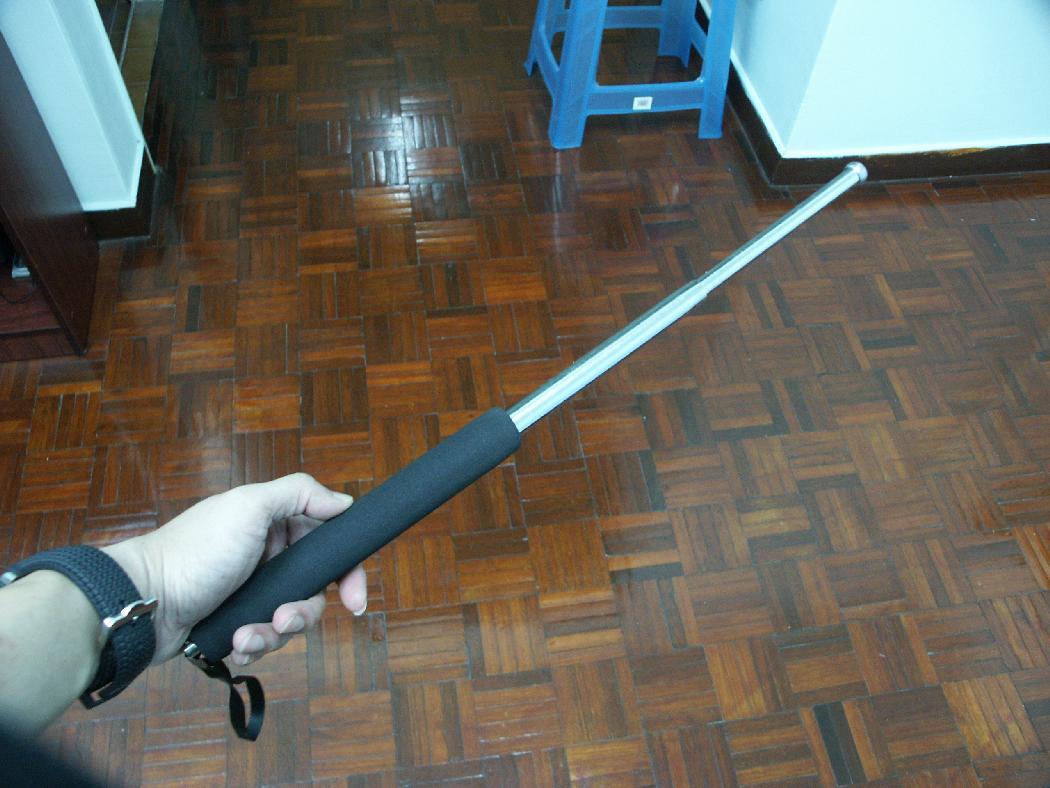 1 pc Safety Retractable Baton - Chrome Color