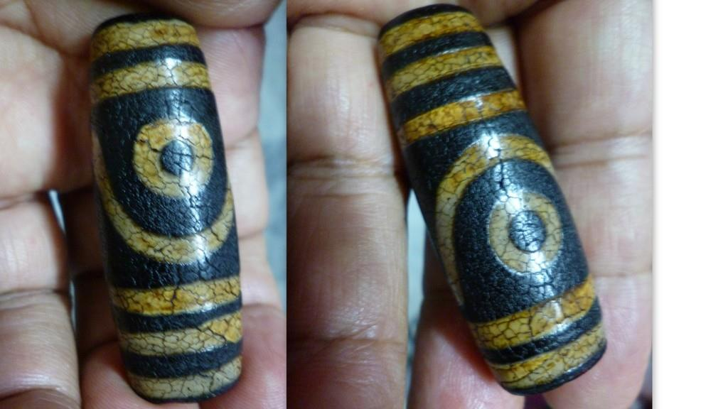 OLD  BLACK AGATE 2  EYE TIBETAN DZI