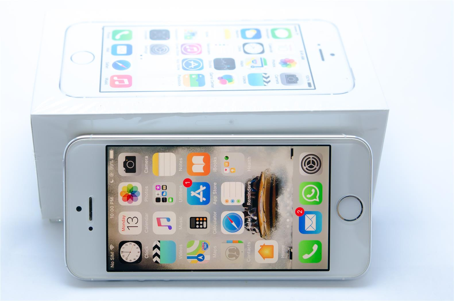 used iphone 5s 16GB Free 4200mah battery casing