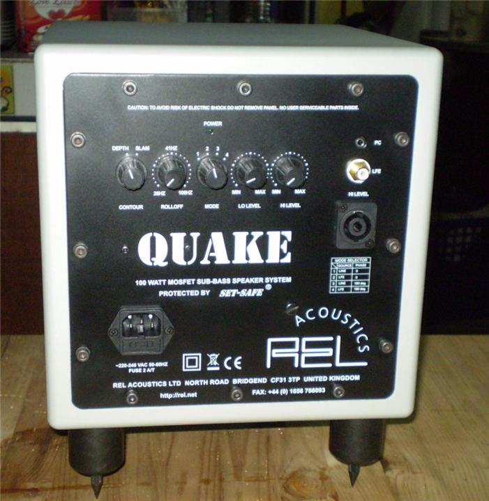 REL Acoustics (Great Britain) QUAKE **Award-winning powered