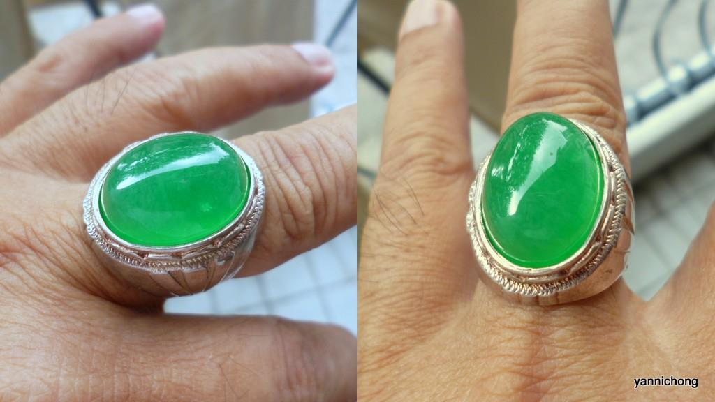 NATURAL GREEN JADEITE SILVER 925  RING
