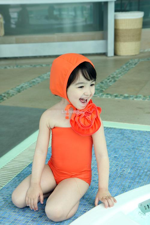(SS11-110) New Korean Style Kids Swimsuit For Gal, Set In 2