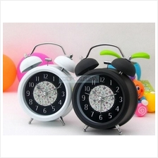 Newly 3 Inch Classic Style Table Alarm Clock Quartz Mute Student Clock