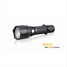Fenix FD41 with an Optical Lens Zoomable LED Flashlight - 900 Lumens