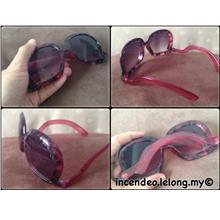 **incendeo** - Stylish Red Oversized Sunglasses for Ladies