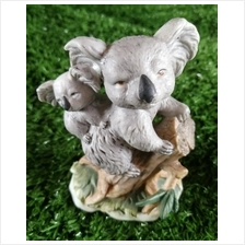 PORCELAIN HAND PAINTED DECORATION STATUE ANIMALS GIFT SS028