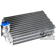 Land Rover (4.6 HSE) - Air Cond Cooling Coil / Evaporator
