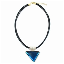 YOUNIQ-Basic Big Triangle Blue Gemstone Geometric Statement Necklace