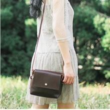 Women Vintage PU Leather Mini Saddle Sling Bag (Brown)