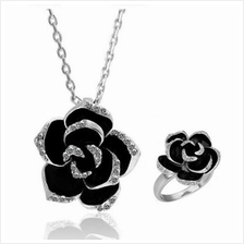A SUIT OF SWEET CUTE WOMEN'S RHINESTONE INLAID FLOWER NECKLACE AND RING (WHITE