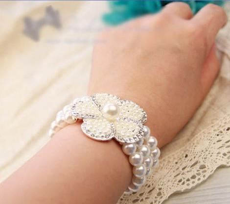 04557 Super-Hot Premium Fine Vintage Pearl Diamond Bracelet Three