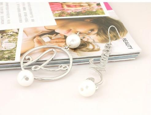 04572 Korean Hollow Pearl Earrings Earrings Asymmetric Letters