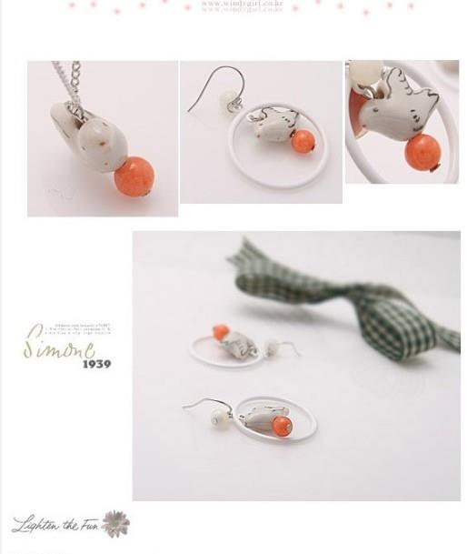 04622 Korean Version Of The Candy Pellets Pigeon Retro Earrings