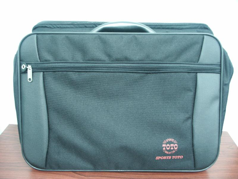 <B>1 pc Sports Toto Executive Bag</B>