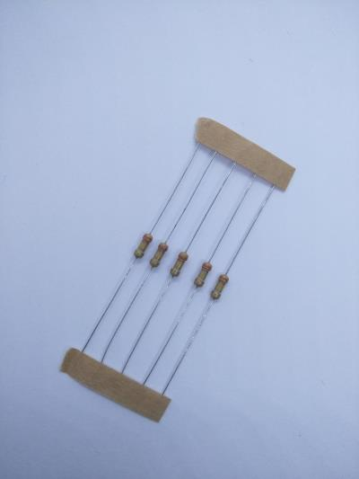 10 PCS 330k ±5% 0.25W, Through Hole Resistor