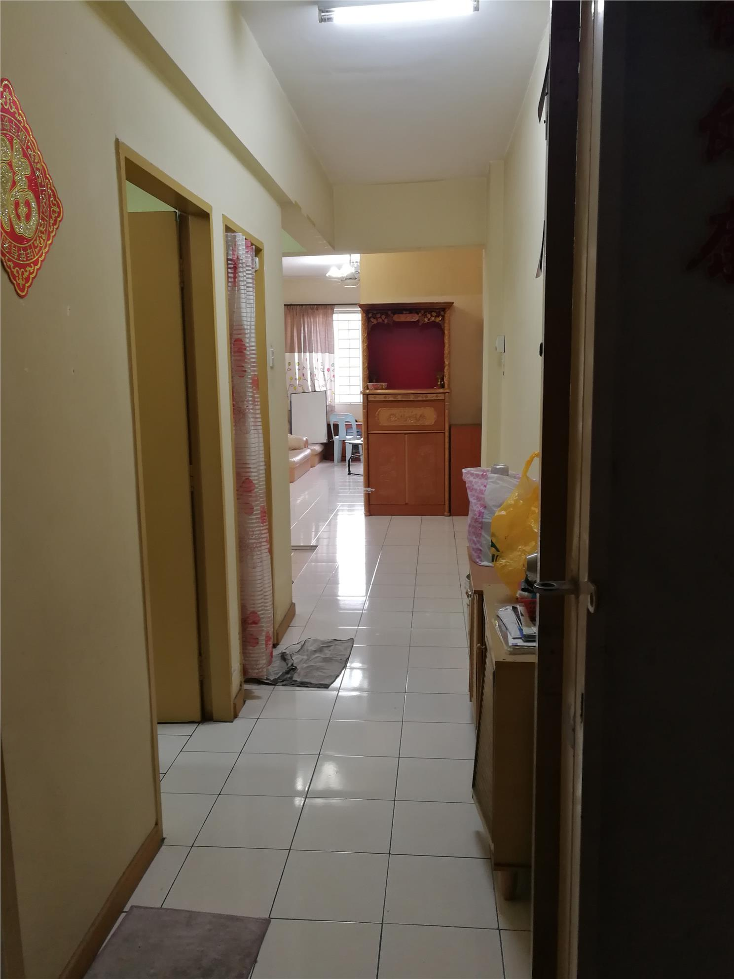 11th Floor House unit Jemerlang Apartment For Sale