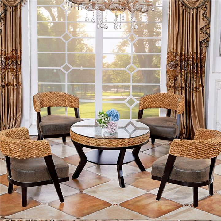 1217787622 Rattan table and chairs set