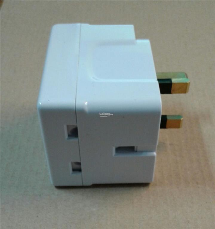 13A 3-WAY ADAPTOR WITH NEON