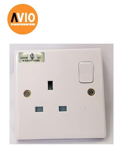 2913A 13A 3 PIN SWITCHED SOCKET OUTLET