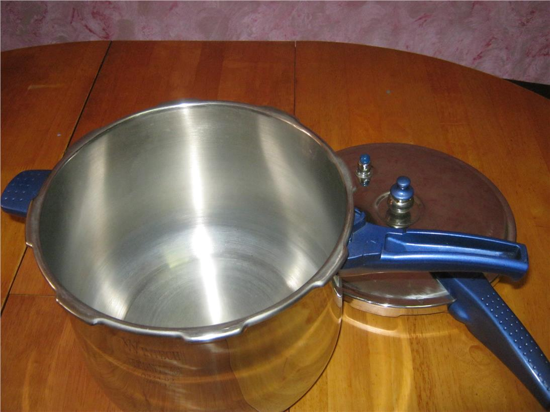 2nd hand: Stove Top Pressure Cooker 8L Wintech Germany Design