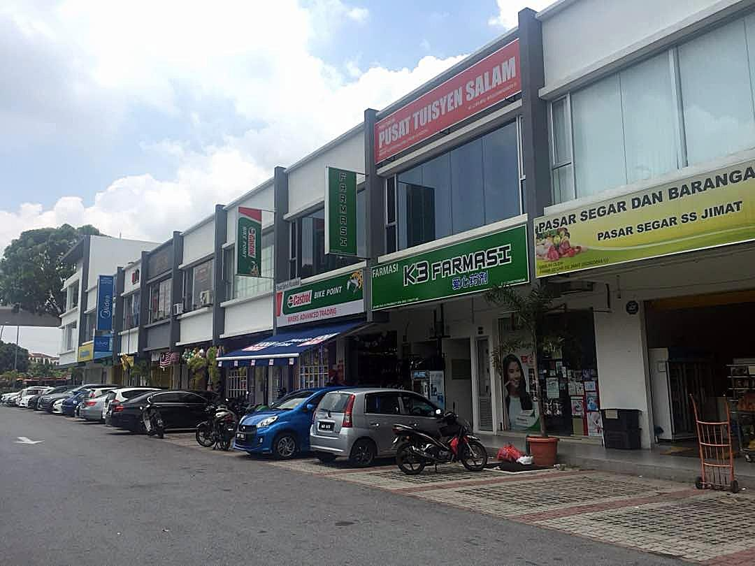 3sty Corner Shop Office for sale, Near LRT, Tmn Puchong Prima, Puchong