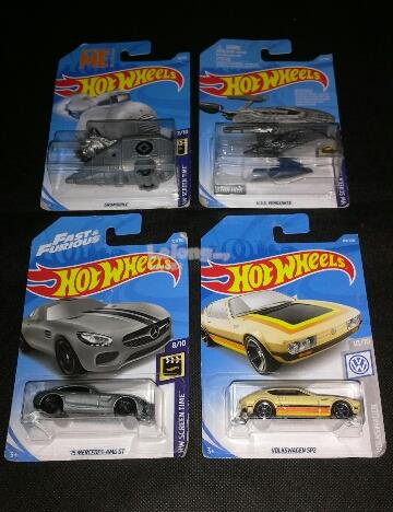 4 HOT WHEELS DIE CAST CARS