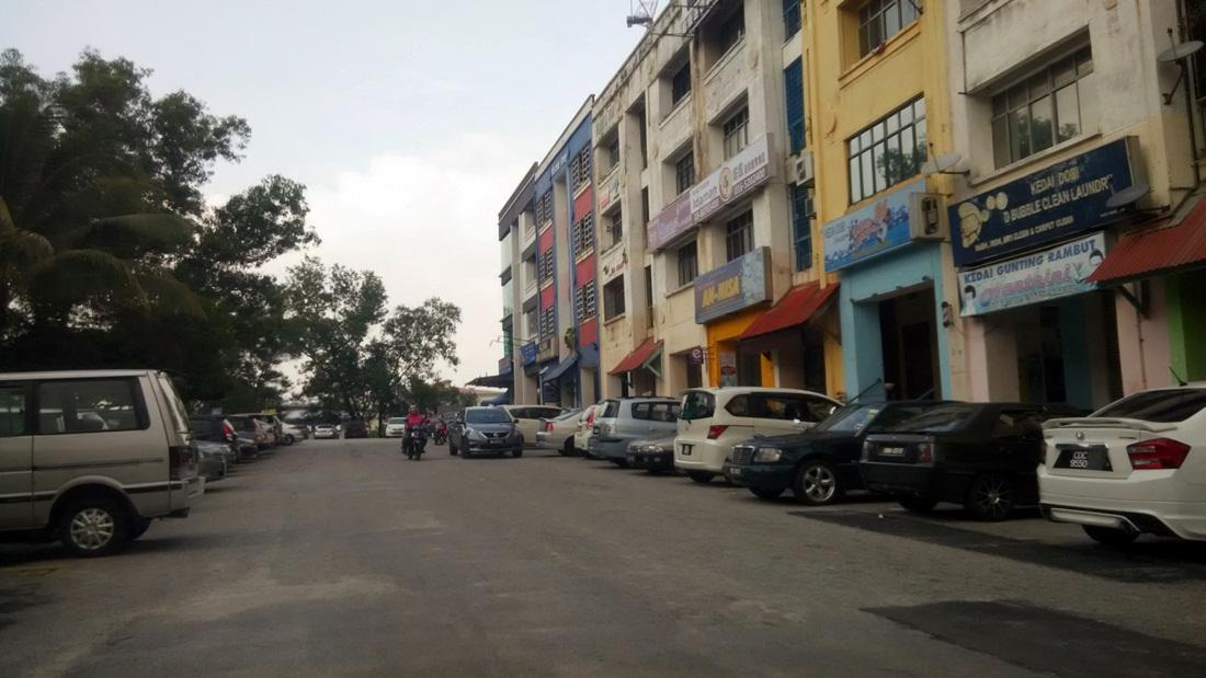 4 Sty Shop Office for sale, Tenanted, Near LRT, Bandar Kinrara 5A