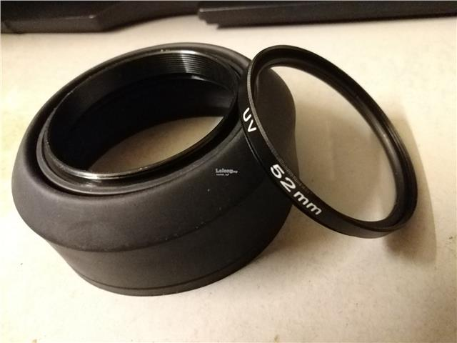 52mm Collapsible Rubber Lens Hood & UV Filter
