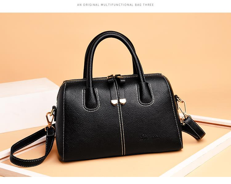 567457863257 soft leather Messenger handbag