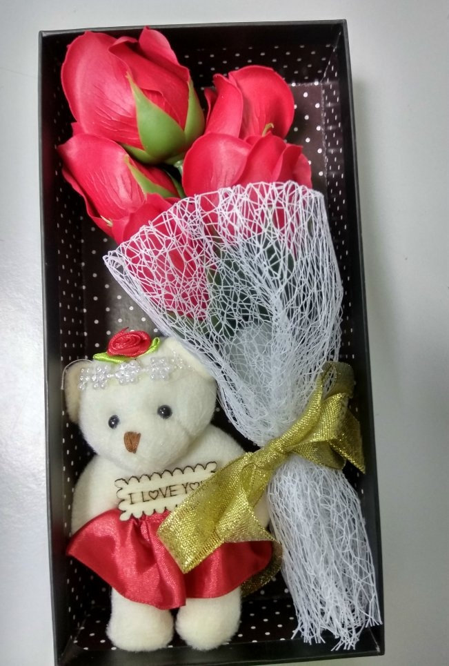 5pcs Flowers and teddy bear Gift Box / Soap Flowers Gift / Love Presen..