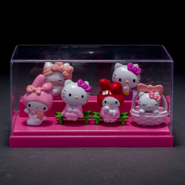 6 in 1 hello kitty Cake Figurine Topper