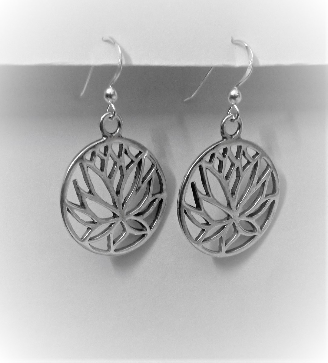 925 Sterling Silver Circle Lotus Push-Back Earrings