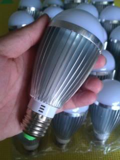 Aluminum 7W E27 LED Bulb~770lm Daylight(White) Super Bright&Long Life