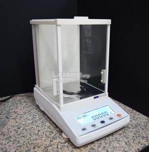 ANALYTICAL BALANCE (0.1mg)