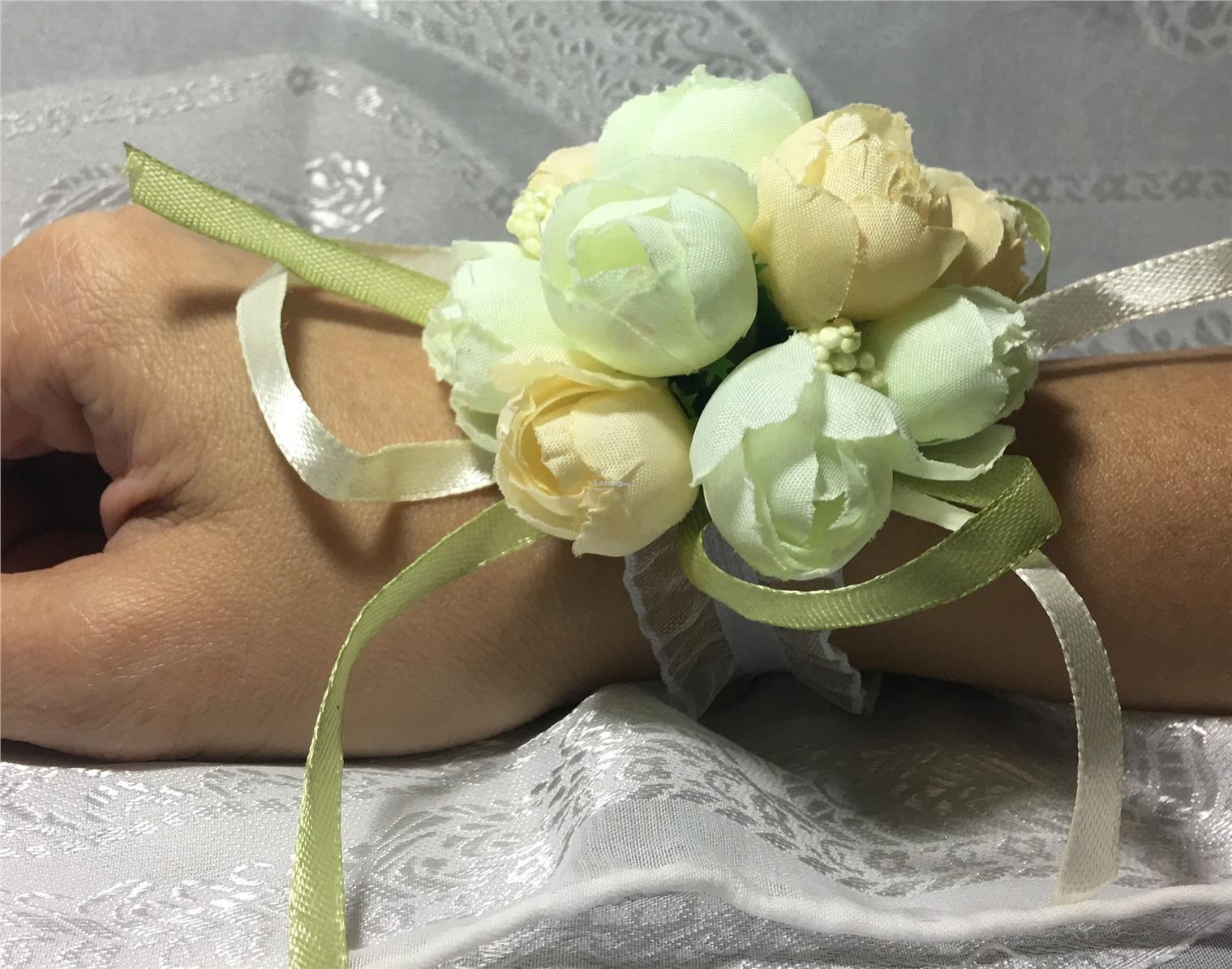 Flower Corsage Bracelet Msia Flowers Healthy