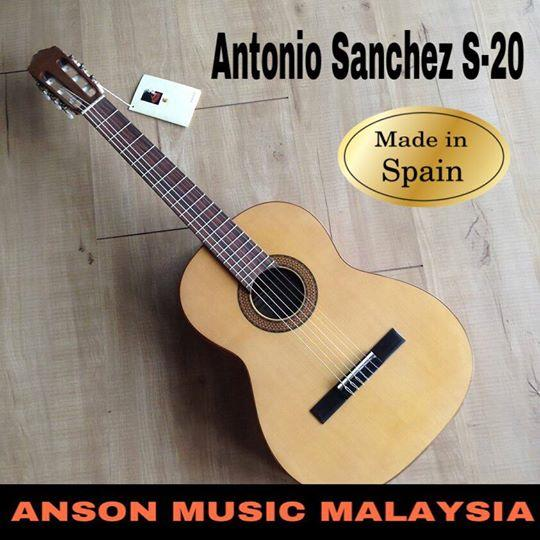 Antonio Sanchez S-20 Classical Guitar