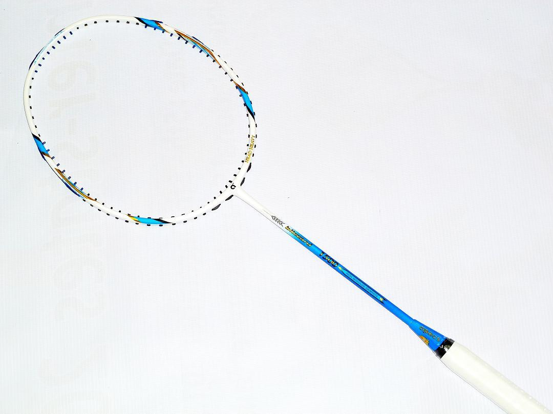 Apacs Blizzard 1500 Badminton Racket FREE String and Grip