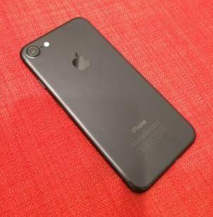 Apple iPhone 7 32GB (Good Condition)