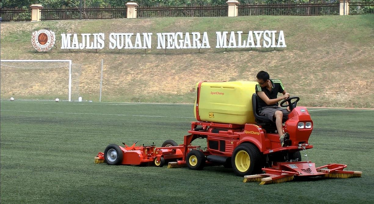 Artificial Soccer Field Maintenance Service 3 Days Using SMG Machine