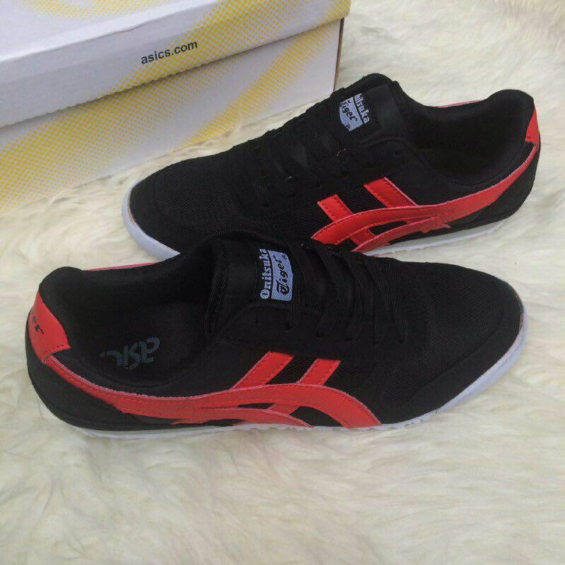 brand new 87936 1cd04 Asics Onitsuka Tiger Black Red Shoe