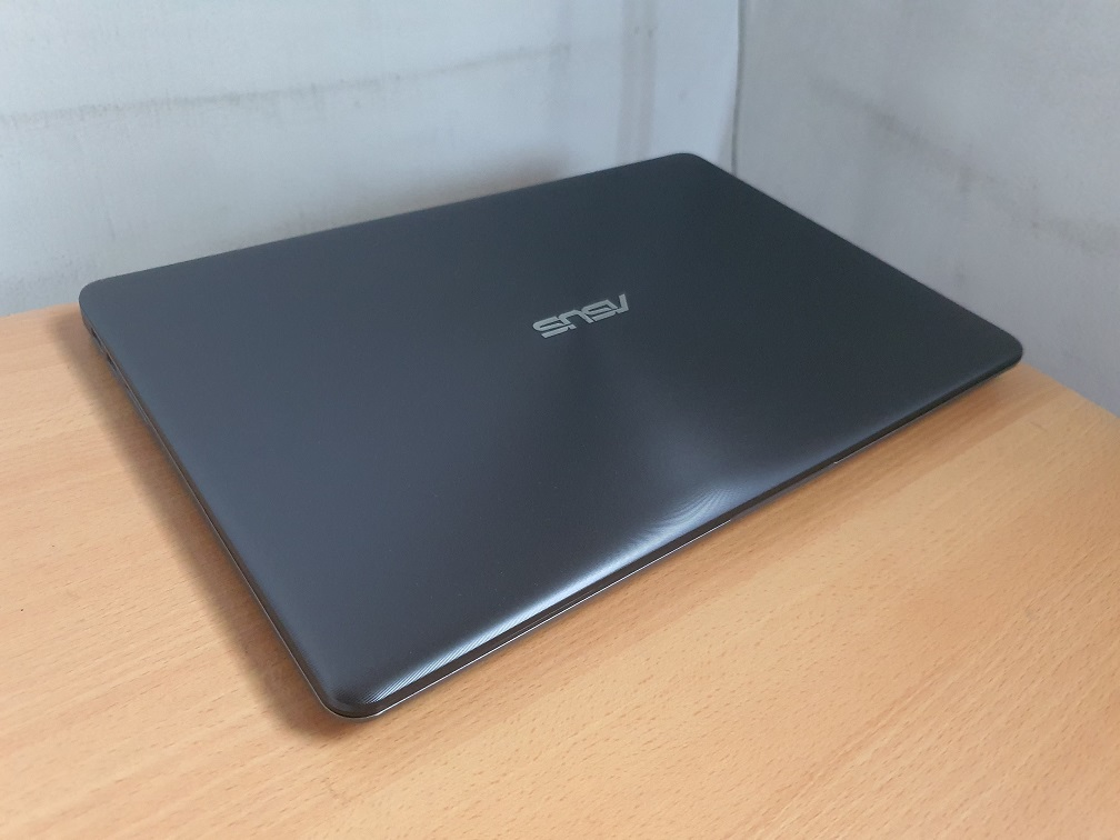 Asus A510U i5-8250U 4GB Ram 1TB HDD 2GB Nvidia Geforce MX130