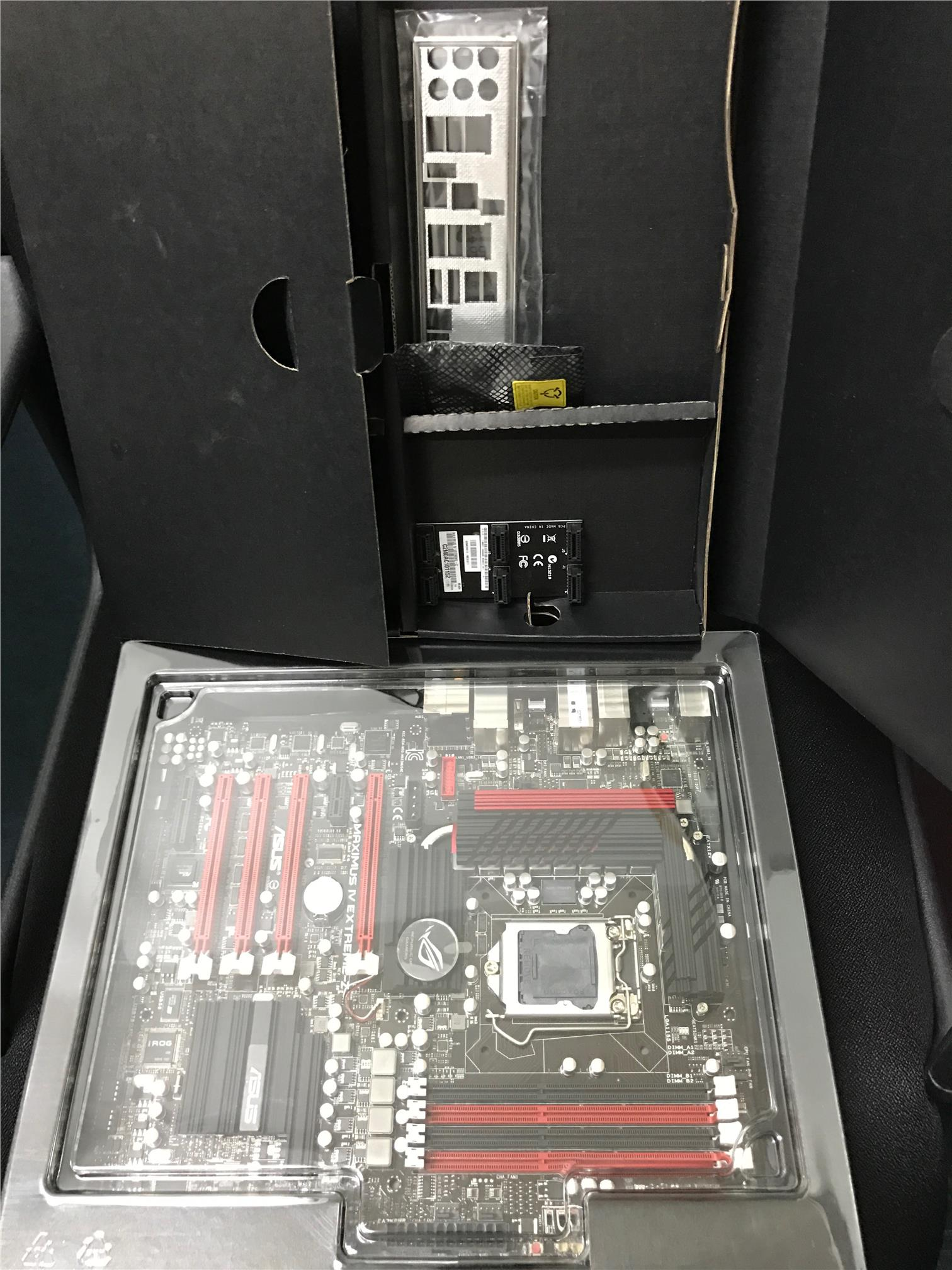 ASUS MAXIMUS VI EXTREME Z68 Socket LGA 1155 Intel Z68 Motherboard