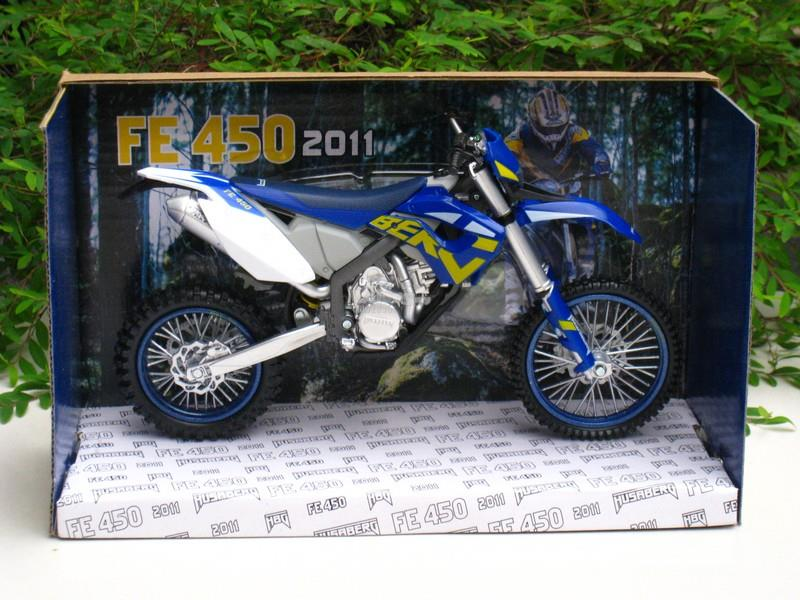 Automaxx 1/12 Diecast Motorcycle 2011 HUSABERG FE 450 BLUE DIRT BIKE