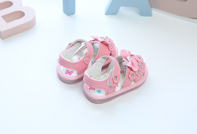 ca6e45462b565 Baby Flower pattern flashing sandals (Pink) for baby girl 2005. ‹ ›