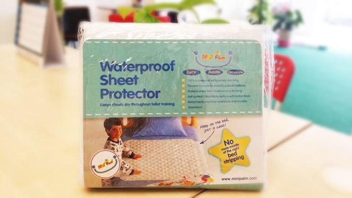 BABY WATERPROOF BEDSHEET PROTECTOR. U2039 U203a