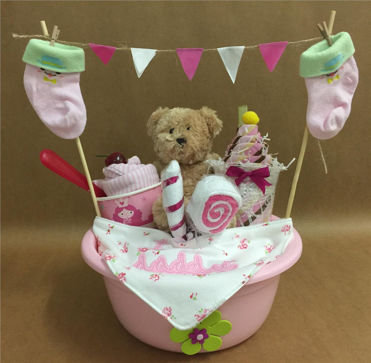 Basin Of Love (diaper cake) - for b (end 10/13/2018 3:15 PM)