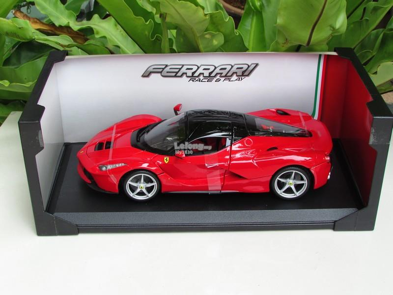 Bburago 1/18 Diecast Car Model  Ferrari  LaFerrari Red