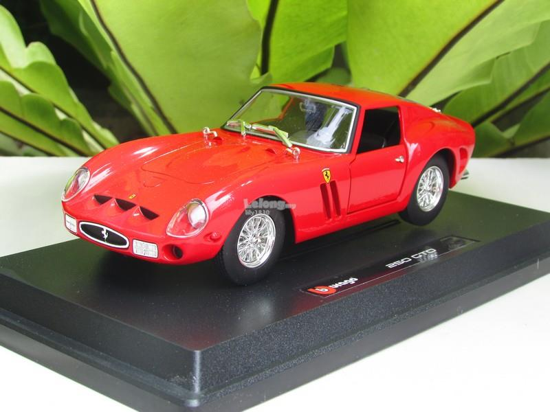 Bburago 1/24 Diecast Car Model Ferrari 250 GTO (Red)