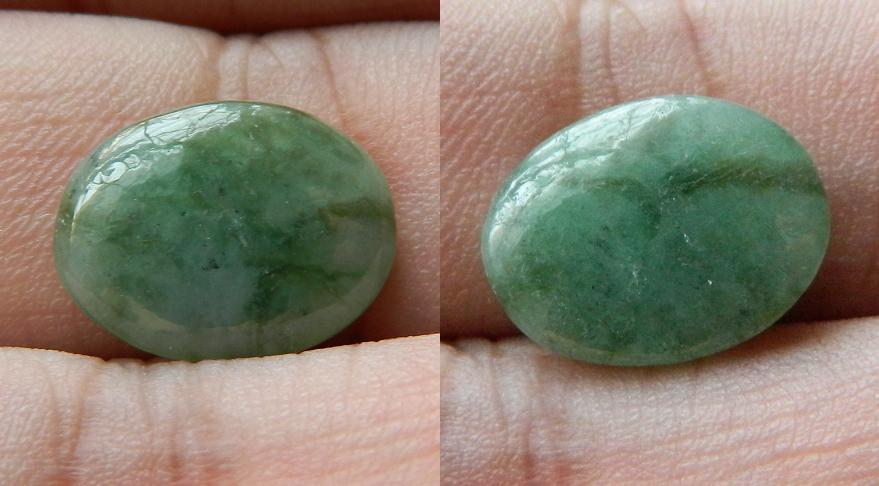 Beautiful green Jade cabochon - BL19 - 6.60CT