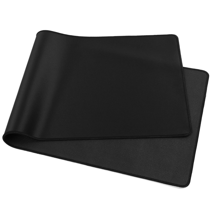 BLACK MOUSE PAD FOR COMPUTER GAME